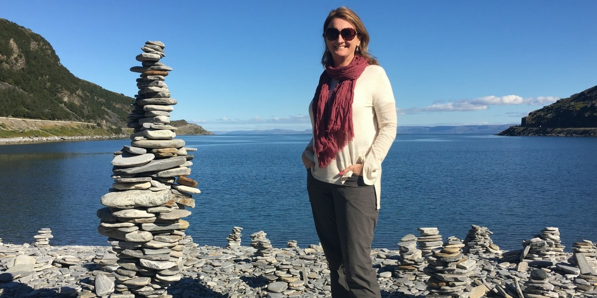 Justine Waddington, Author - The Solo Traveller's Compass